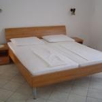 Soba z zakonskim ležiščem